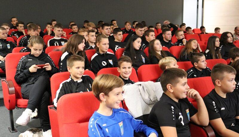 Gradonačelnik Markotić o Izviđačevoj Školi rukometa: Kad vidim ovu mladost, uopće ne sumnjam u rezultate idućih godina