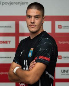 23 Amir Muhović