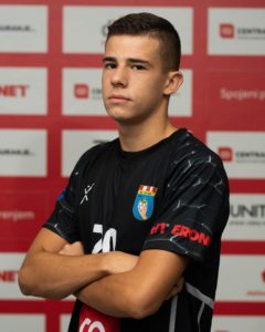 20 Petar Medić